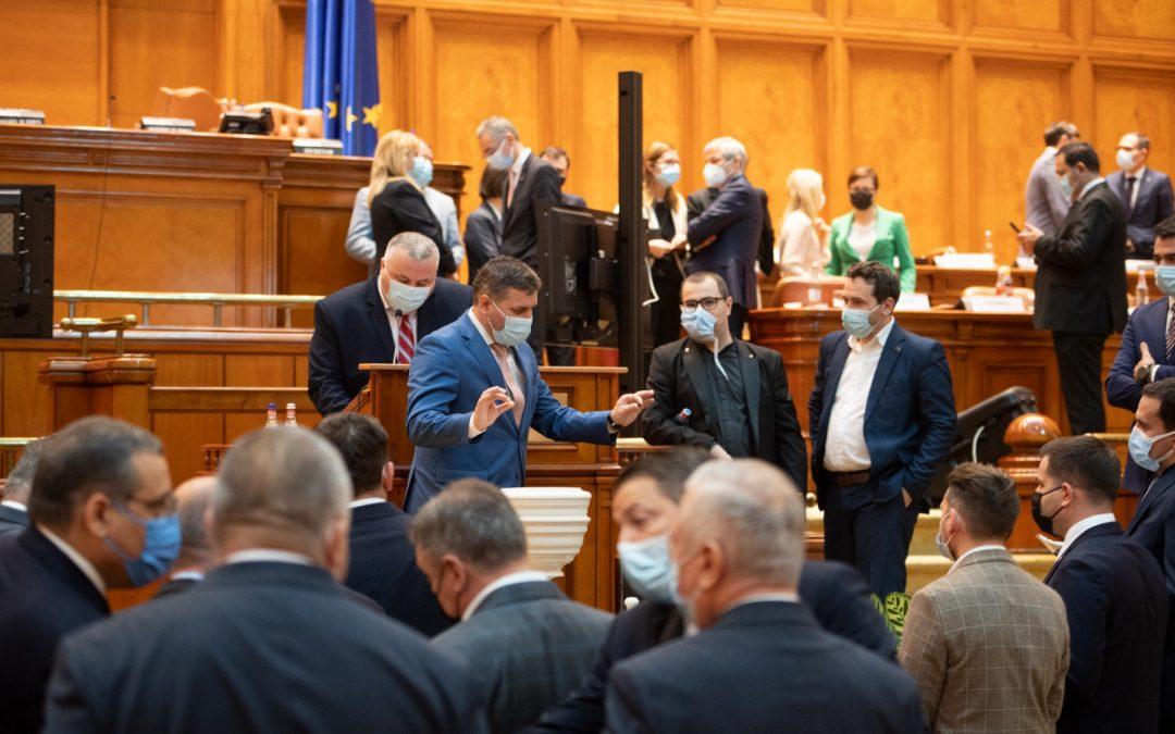 Criza guvernamentală se prelungeşte – parlamentarii au ales să nu susţină guvernul USR PLUS şi soluţiile propuse de Dacian Cioloş